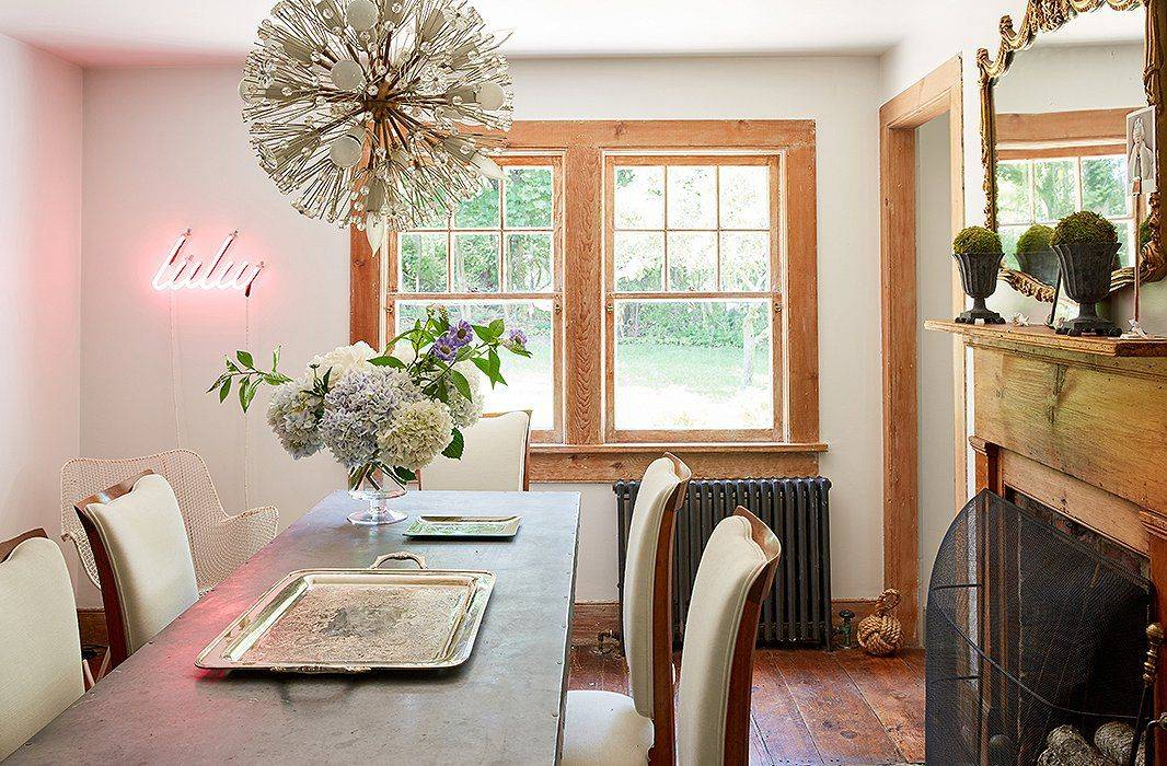 6 Clever Solutions for Small-Space Dining 2