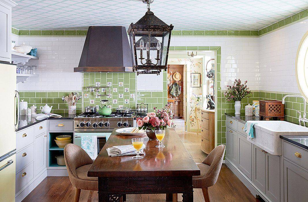 6 Clever Solutions for Small-Space Dining 3