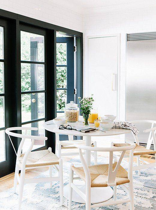 6 Clever Solutions for Small-Space Dining 5