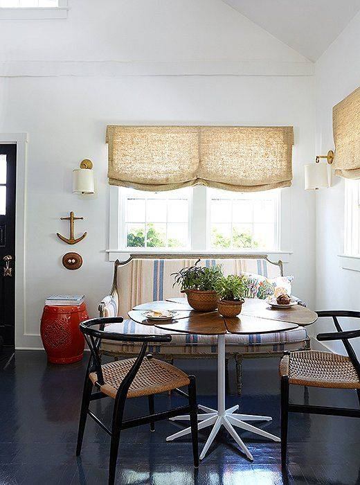 6 Clever Solutions for Small-Space Dining 7