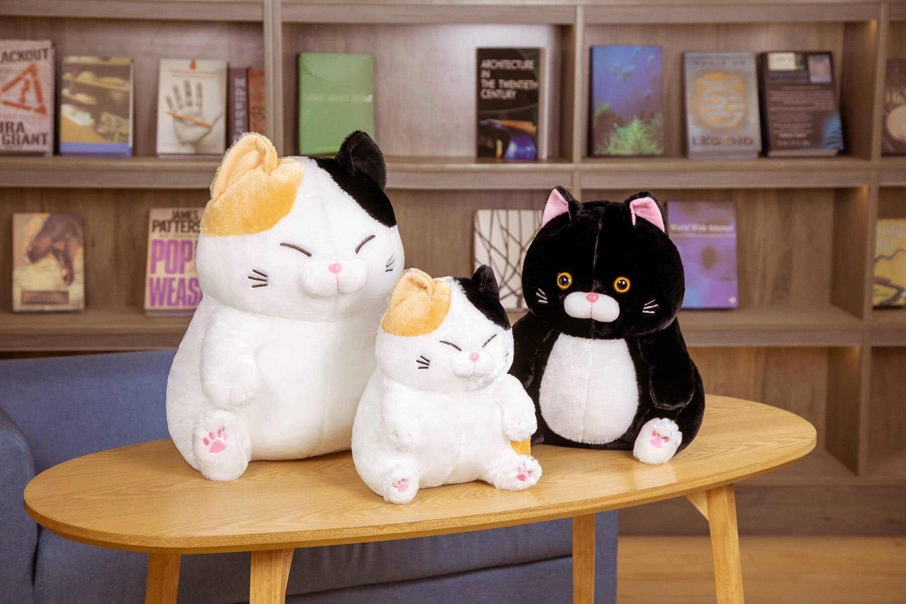 Cat Toys Stuffed Animals Janpanese Anime Pusheen Plushie Soft Cute Black Cat Doll Room Decor Birthday Gift For Girls Kids