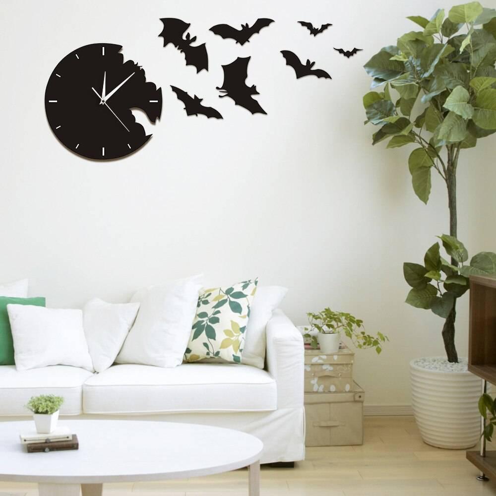 A Bat Clock From The Escape Clock Halloween Bat Silhouette Wall Clock Scary Bat Symbols Home Decor Contemporary Black Wall Clock