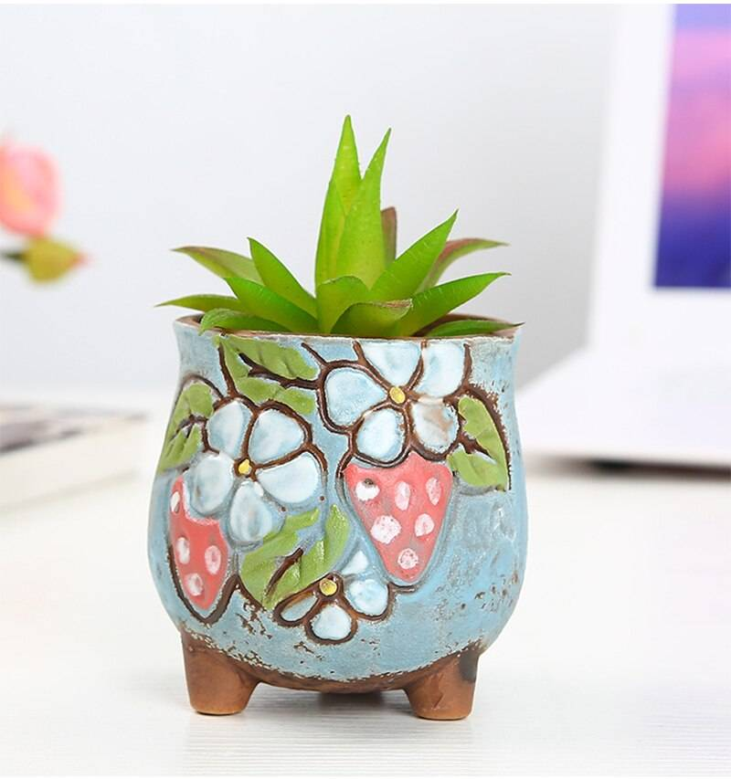Korean Colored Embossed Succulent Plant Pot With Feet Hand-painted Strawberry Succulent Flower Pot Balcony Garden Green Plants